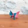 Origami : renard bleu et rouge.