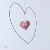 Mobile Cœur réalisé en fil de fer recuit et son origami.