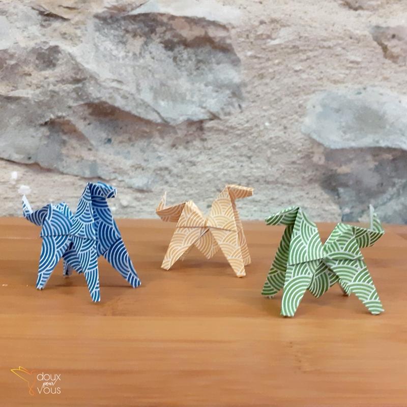 Origamis : petits chevaux.