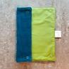 Essuie-tout lavable, composé de 2 tissus : un nid d'abeille bleu, un coton couleur vert.